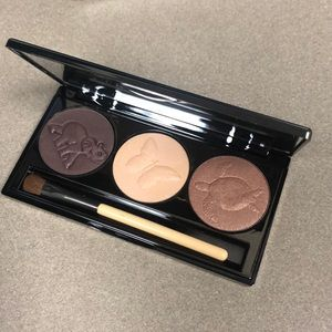 Chantecaille eyeshadow trio palette